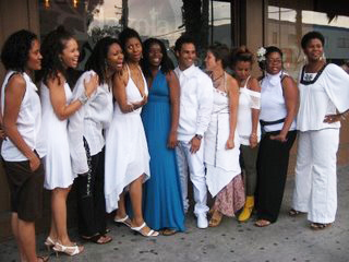 During Women in White Weekend, Mother's Day Radio Project founder Shaunelle Curry and collaborators Kelley Nicole, Jimetta Rose and more presented an evening of uplifting music and poetry. – Photo: Wanda Sabir