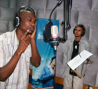 The DARG Team records in Mshareq Studio. – Photo: QD