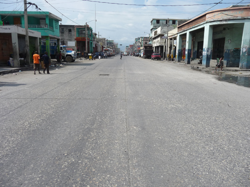 Normally bustling Avenue Jean-Jacques Dessalines, the capital's main road, was all but deserted on June 21. – Photo: Kim Ives, Haiti Liberté