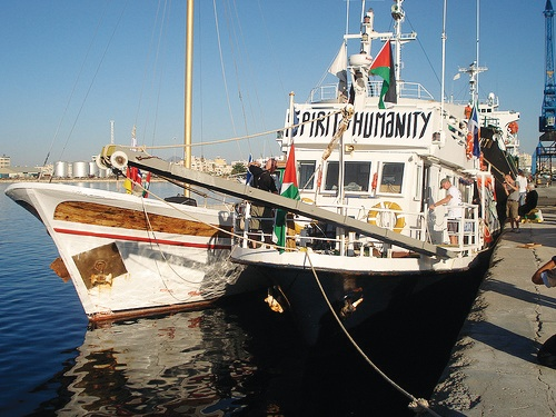The Spirit of Humanity prepares to set sail for Gaza, carrying tons of supplies and 21 human rights workers and journalists. – Photo: FreeGaza.org