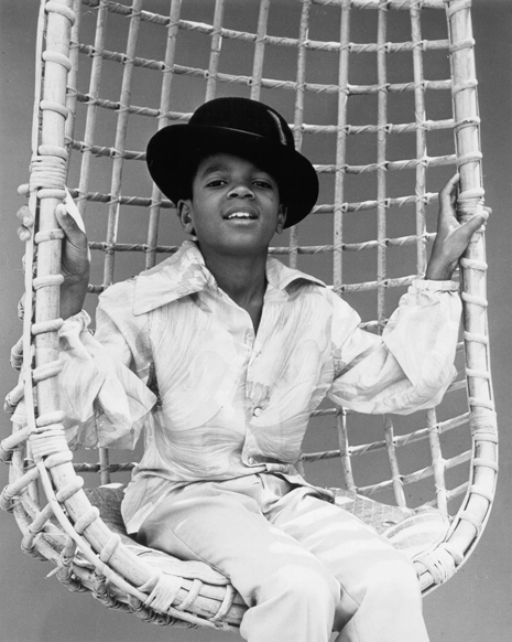 http://www.sfbayview.com/wp-content/uploads/2009/07/Michael-Jackson-1969-first-Motown-photo-session-from-David-Alston%E2%80%99s-Mahogany-Archives-web.jpg