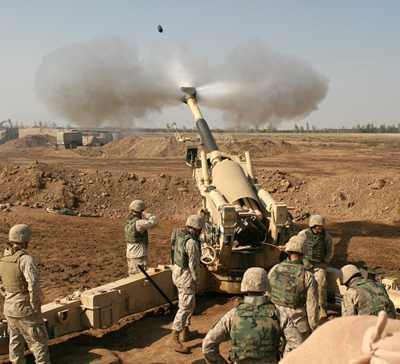 U.S. Marines fire on Fallujah, Nov. 11, 2004 - Photo: Lance Cpl. Samantha L. Jones.jpg