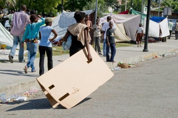Haiti-earthquake-makeshift-tents-011310-by-Getty, Kouraj cherie: Dispatches from Port au Prince, Haiti, World News & Views