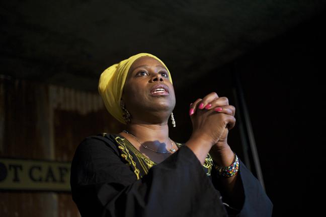 Cynthia-McKinney-Triumph-Tour-Cynthia-speaking-gorgeous-at-Black-Dot-082109-by-Kamau-web, I call it murder, National News & Views