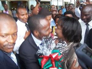 Victoire-Ingabire-arrives-Kigali-Airport-greeted-by-Frank-Habineza-Bernard-Ntaganda-011710-by-IGIHE.com-Rwanda, Rwandan opposition parties condemn grenade attacks in Kigali, World News & Views
