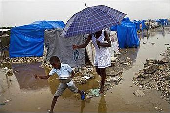 Haiti-earthquake-rain-soaked-camp-0310, Haiti's earthquake victims in peril, World News & Views