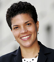 Michelle-Alexander, The new Jim Crow: How the war on drugs gave birth to a permanent American undercaste, Behind Enemy Lines