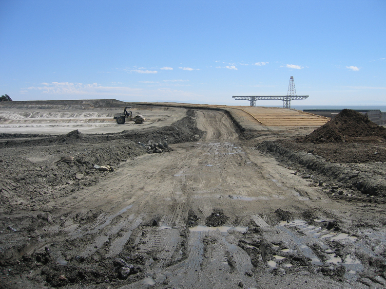 Hunters-Point-Shipyard-barren-moonscape-0610-by-Francisco-web2, REJECT Lennar's toxic EIR!, Local News & Views