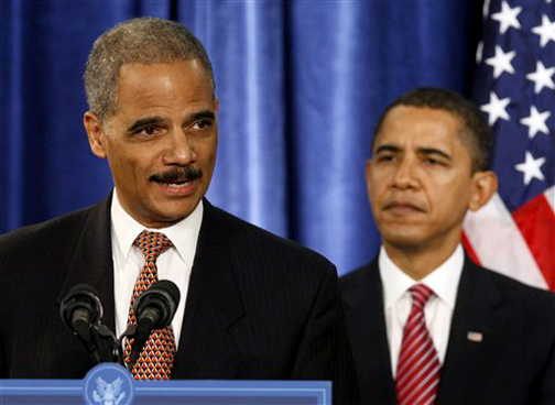 The first Black president, Barack Obama, nominates the first Black attorney general, Eric Holder. – Photo: Charles Dharapak, AP