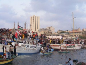 free-gaza-boats-greeted-crowds-swimmers-090408-300x225, Dispatches from Donna in Gaza, World News & Views