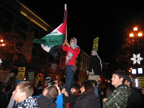 gaza-protest-sf-010309-by-judith-scherr, Protesters condemn Israeli invasion of Gaza, Local News & Views